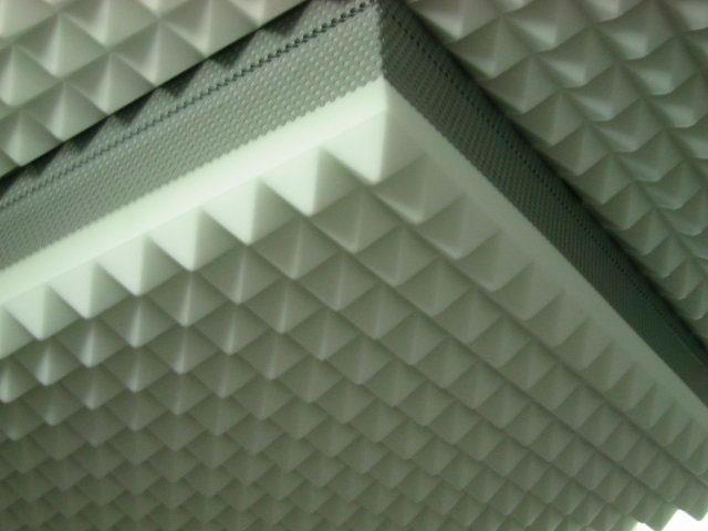 paneles acusticos piramides